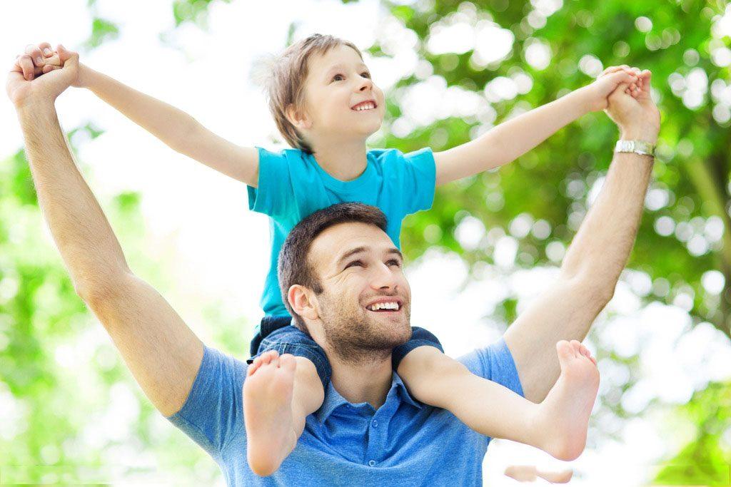 爸爸带宝宝比妈妈更快乐!原因在于